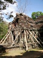 Asisbiz E Banteay Kdei Temple Gopura III W Bayon style 07
