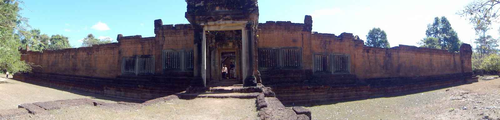 Banteay Samre Temple 12th century Angkor Wat style architecture 01