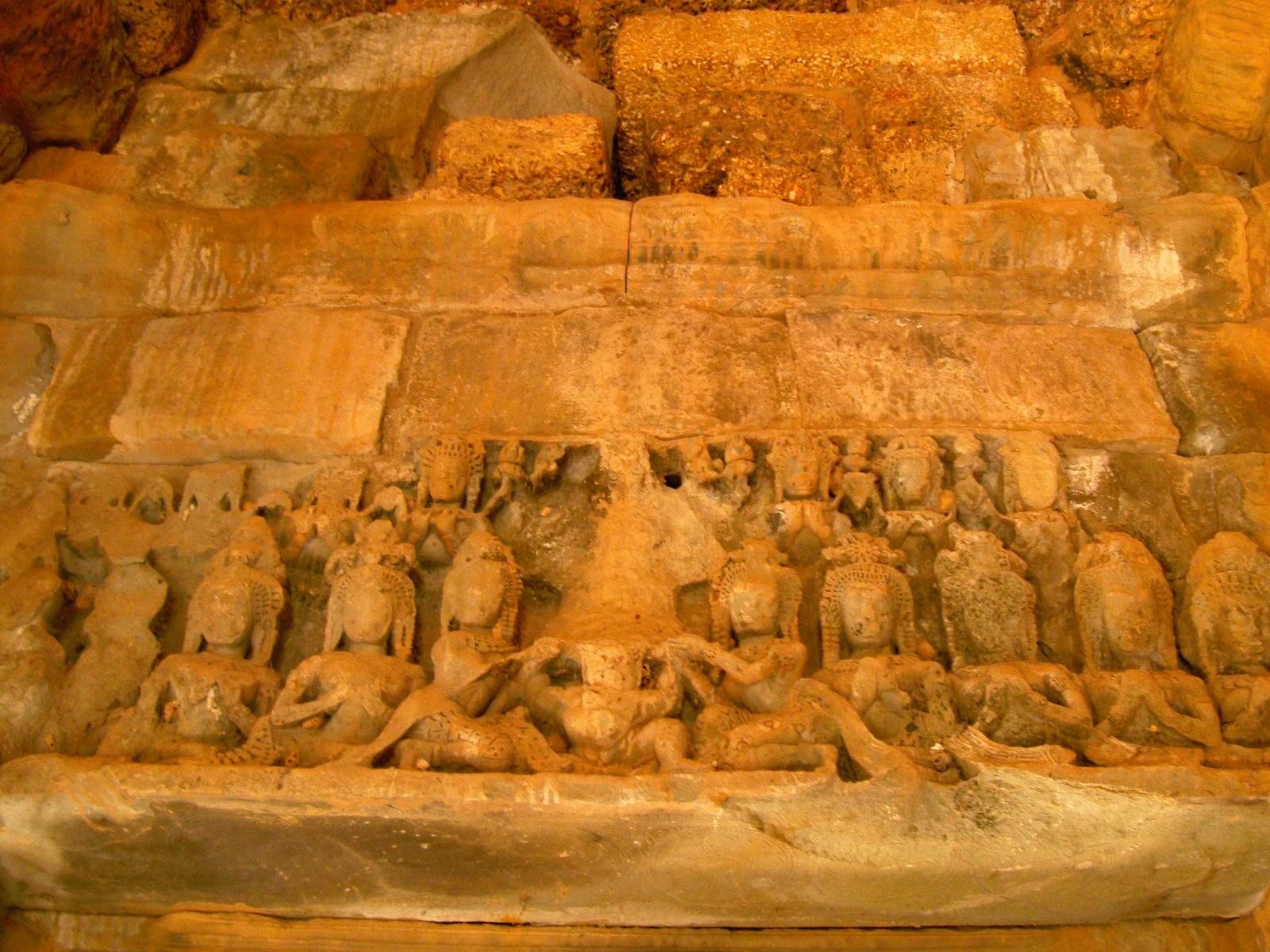 Banteay Samre Temple Bas reliefs East Baray Jan 2010 01