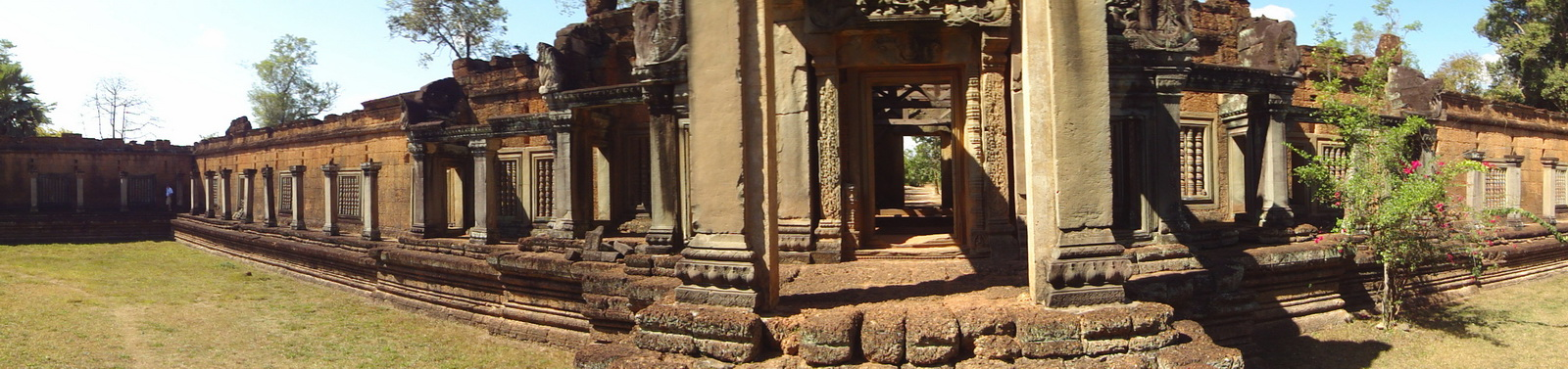 Banteay Samre Temple main gates East Baray 01