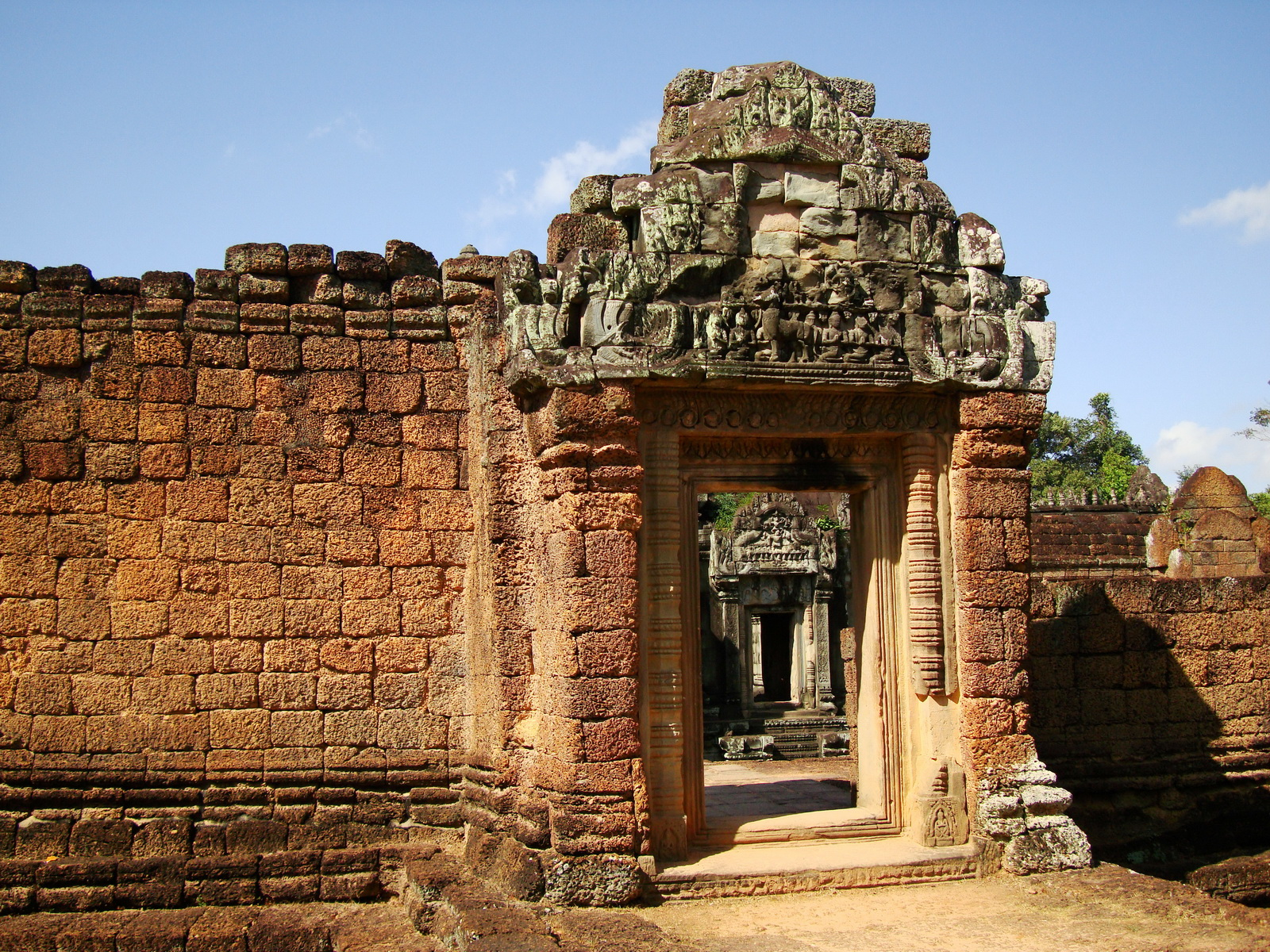 Banteay Samre Temple main gates East Baray 10