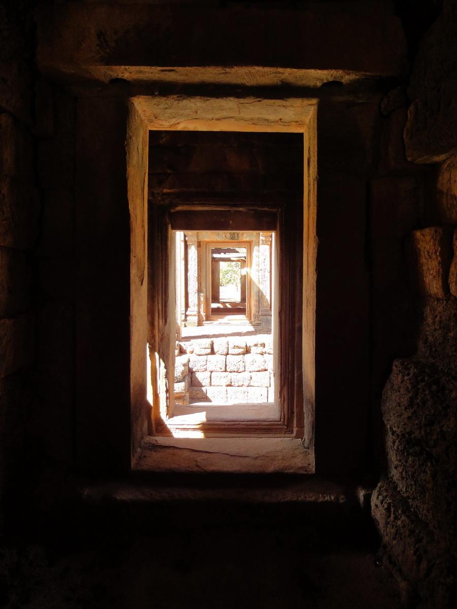 Banteay Samre Temple main sanctuary East Baray 13