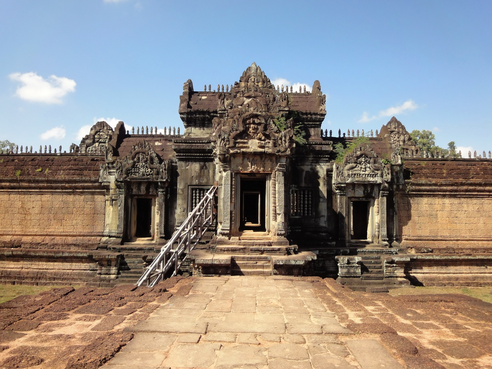 Banteay Samre Temple main sanctuary libraries East Baray 04