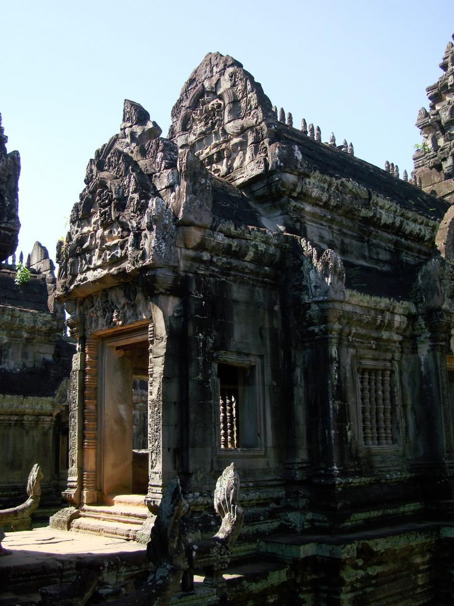Banteay Samre Temple main sanctuary libraries East Baray 14