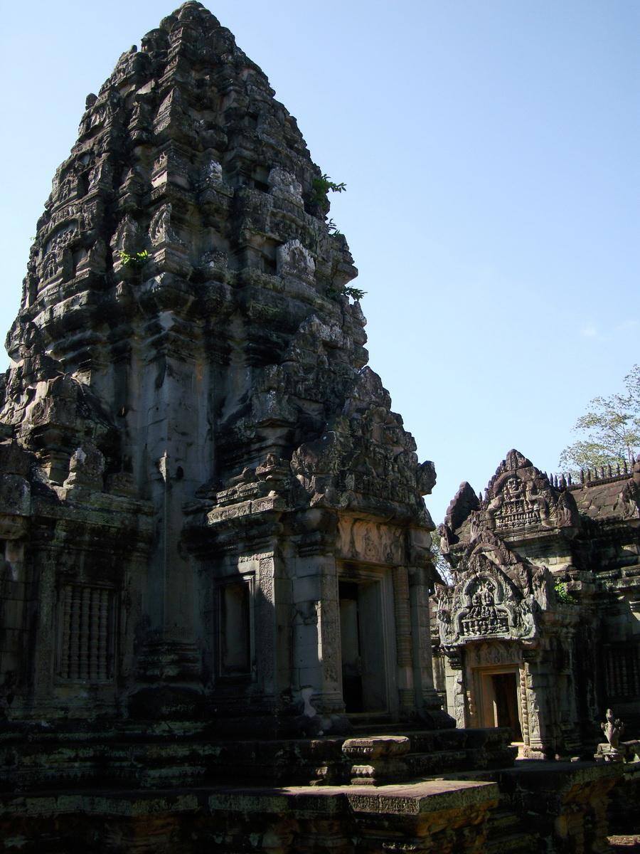 Banteay Samre Temple main sanctuary libraries East Baray 16