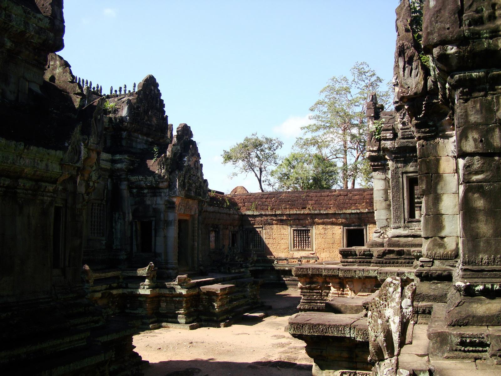 Banteay Samre Temple main sanctuary libraries East Baray 28