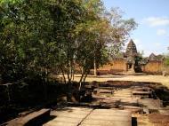 Asisbiz Banteay Samre Temple causeway East Baray Jan 2010 03