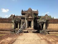 Asisbiz Banteay Samre Temple main sanctuary libraries East Baray 04
