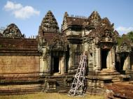 Asisbiz Banteay Samre Temple main sanctuary libraries East Baray 07