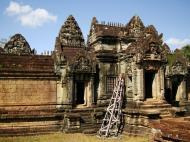 Asisbiz Banteay Samre Temple main sanctuary libraries East Baray 07