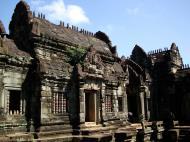 Asisbiz Banteay Samre Temple main sanctuary libraries East Baray 08