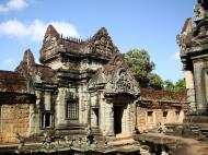 Asisbiz Banteay Samre Temple main sanctuary libraries East Baray 09