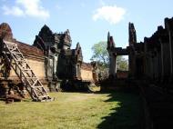 Asisbiz Banteay Samre Temple main sanctuary libraries East Baray 20