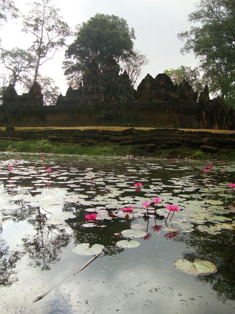 Banteay Srei 10th century Khmer architecture Tribhuvanamahesvara 13