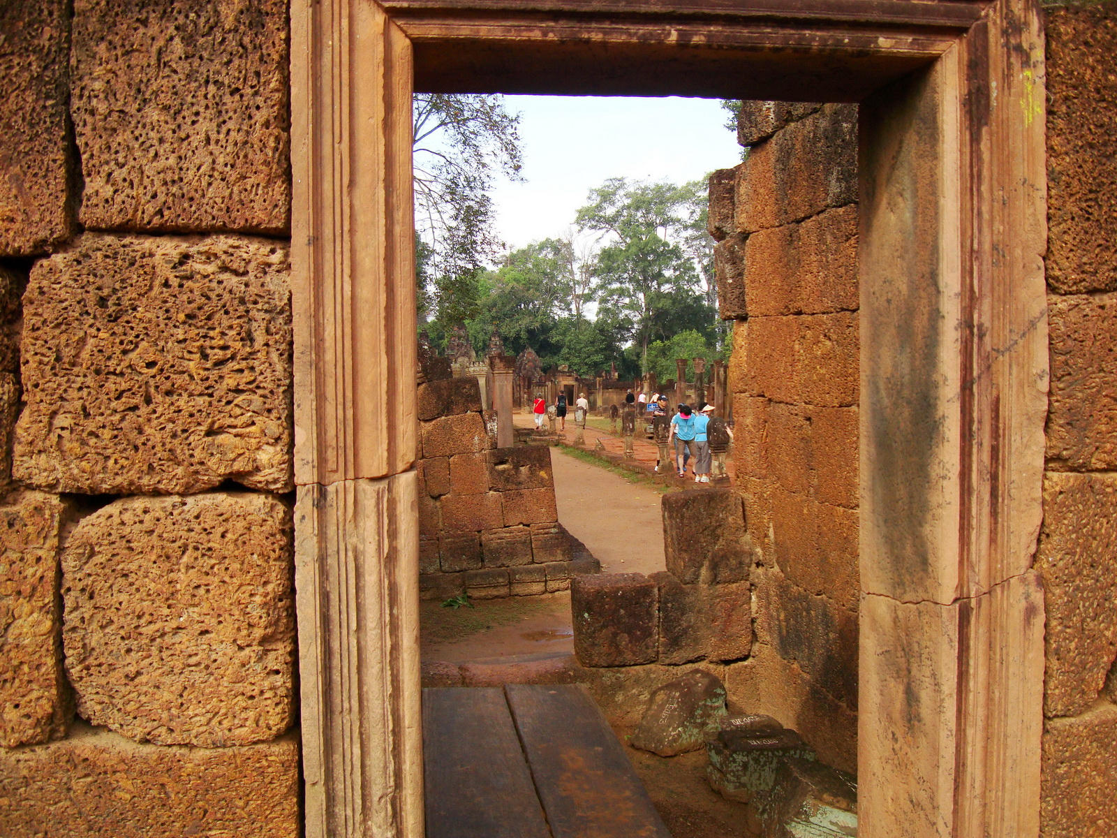 Banteay Srei Hindu Temple red sandstone carved passages 08