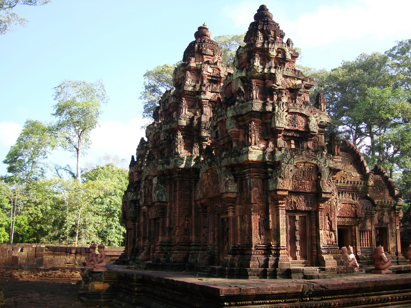 Banteay Srei Temple innately carved sandstone Sanctuary tower 06