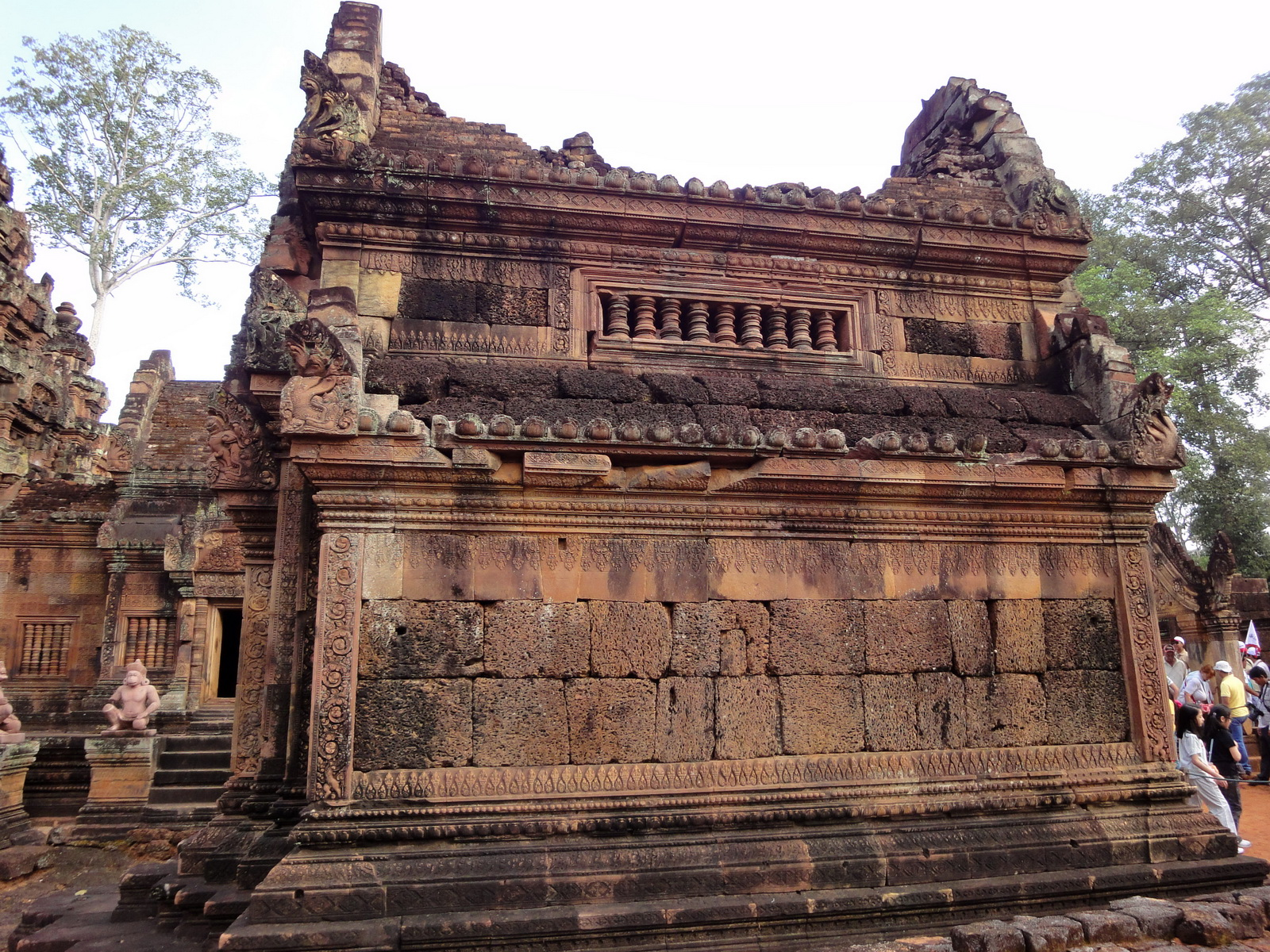 Banteay Srei Temple innately carved sandstone libraries 05