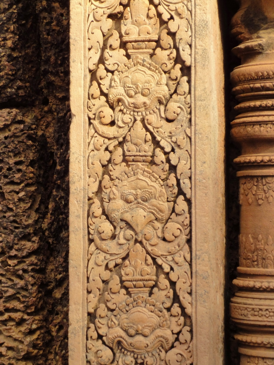 Banteay Srei Temple pediment shows Narasimha and Garuda 02