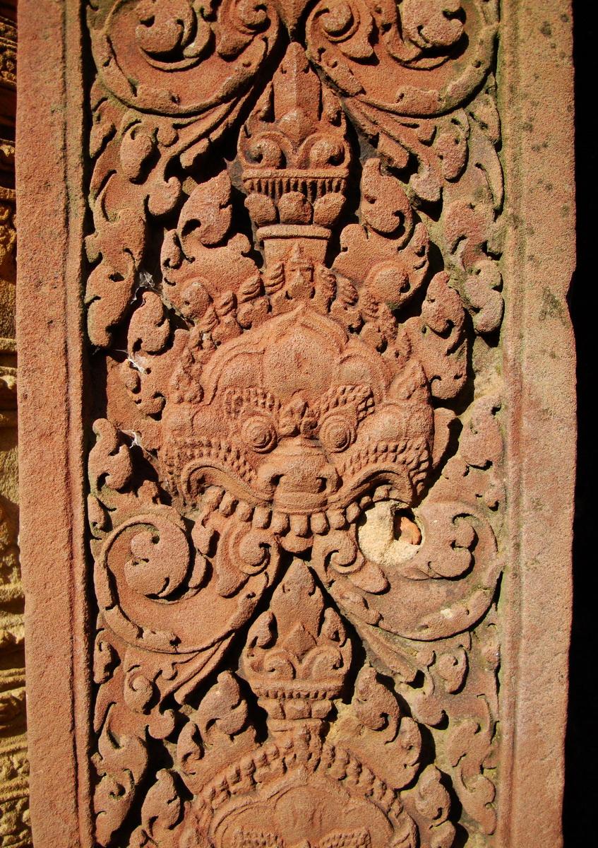 Banteay Srei Temple pediment shows Narasimha and Garuda 03