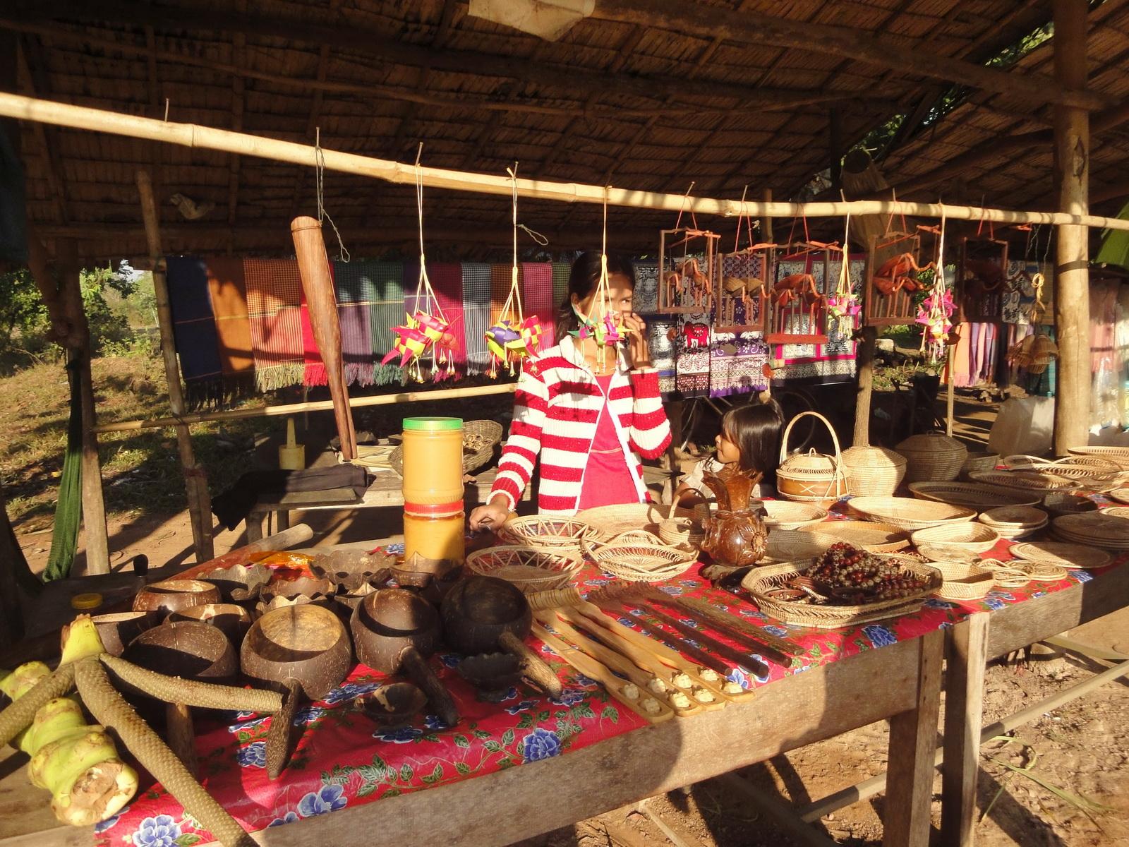 Banteay Srey road side village shops Jan 2010 03