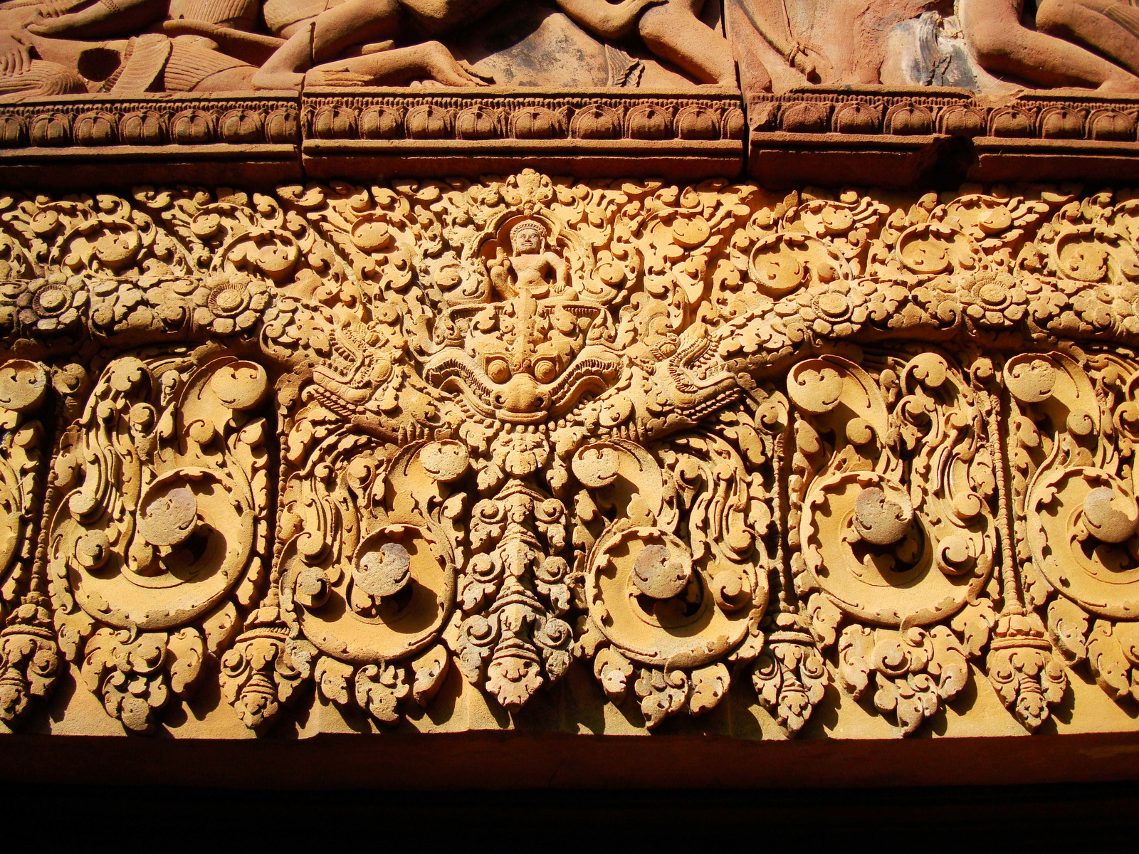 Gate arch carving of Kala a mythical creature of the god Siva 18