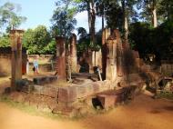Asisbiz Banteay Srei Hindu Temple boundary entrance courseway 12