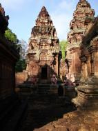 Asisbiz Banteay Srei Hindu Temple red sandstone Gopura arches 01
