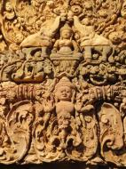 Asisbiz Banteay Srei Temple closeups of the innately carved sandstone arches 01