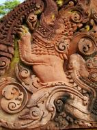 Asisbiz Banteay Srei Temple closeups of the innately carved sandstone arches 19