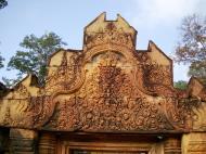 Asisbiz Banteay Srei Temple main entrance sandstone arch 01