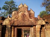 Asisbiz Banteay Srei Temple main entrance sandstone arch 04