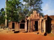 Asisbiz Banteay Srei Temple main entrance sandstone arch 06