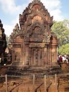 Asisbiz Banteay Srei Temple pediment shows burning of Khandava Forest 02