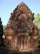 Asisbiz Banteay Srei Temple pediment shows burning of Khandava Forest 03