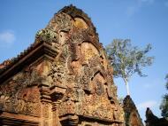 Asisbiz Banteay Srei red sandstone pediment shows Ravana shaking Mount Kailasa 05