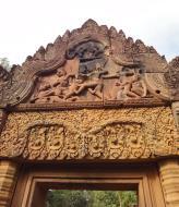 Asisbiz Banteay Srei western gopura depicting combat between Vali and Sugreeva 04