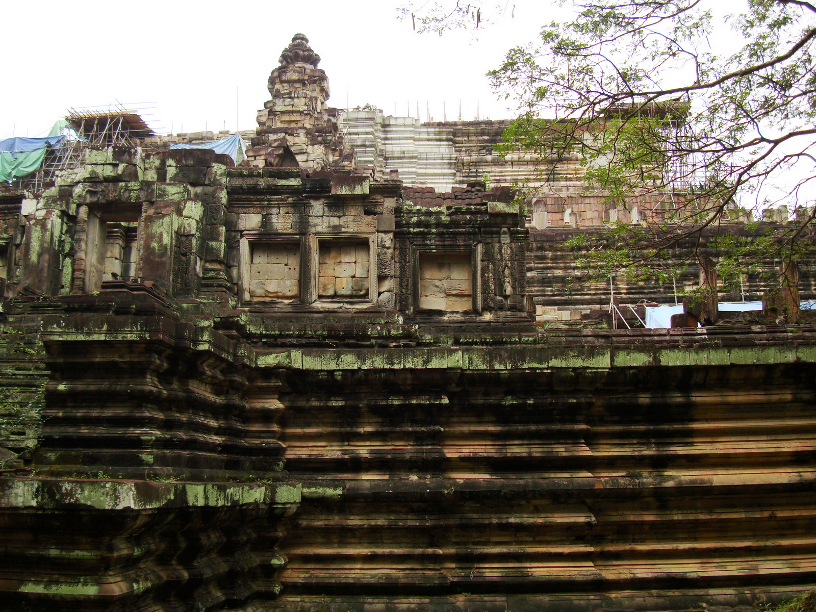 Baphuon temple Khmer style mid 11th century Angkor 06