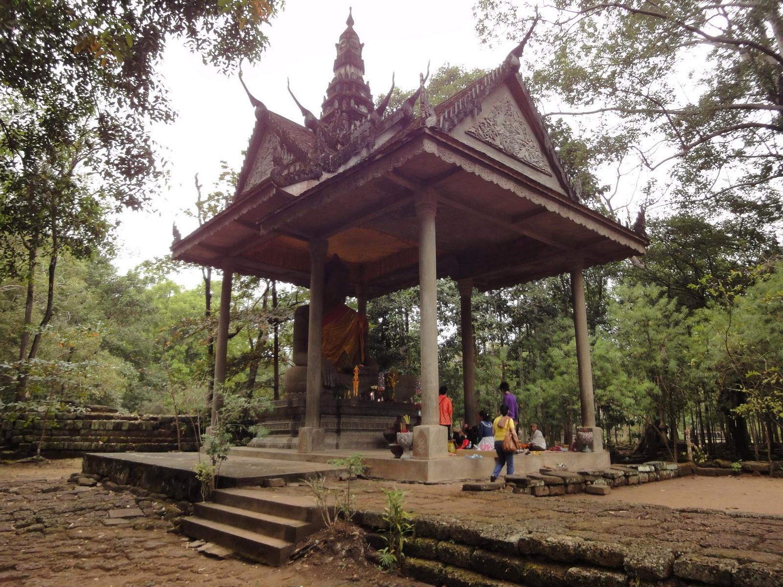 Baphuon temple external Buddha 04