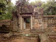 Asisbiz Baphuon temple gate Khmer style mid 11th century Angkor 01