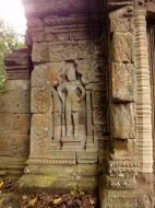 Asisbiz Baphuon temple gate Khmer style mid 11th century Angkor 02
