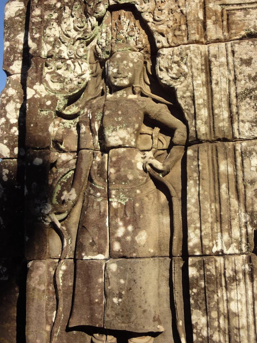 Bayon Temple Bas relief devatas Angkor 01