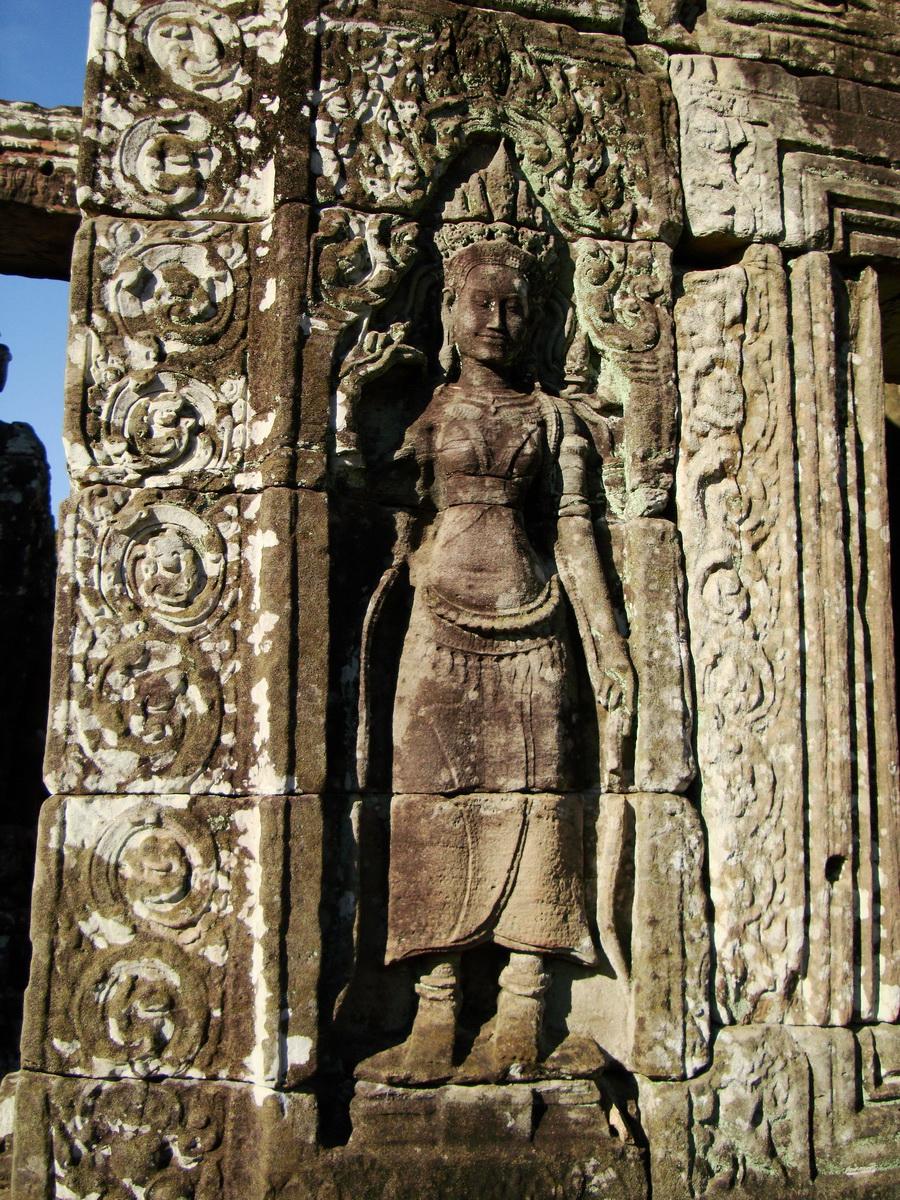 Bayon Temple Bas relief devatas Angkor 12