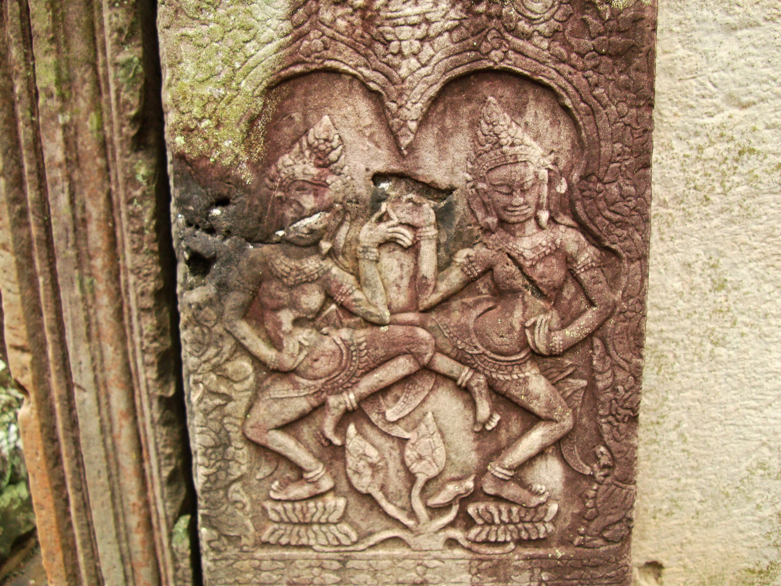 Bayon Temple Bas relief pillars two dancing apsaras Angkor 15
