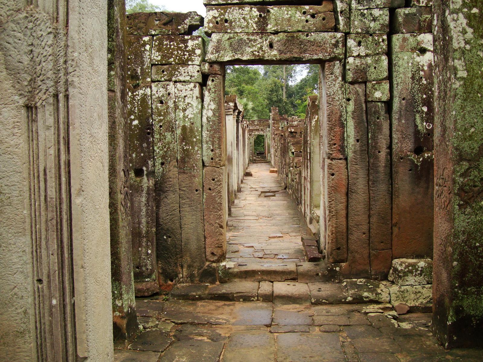 Bayon Temple architecture passageways Angkor Jan 2010 01