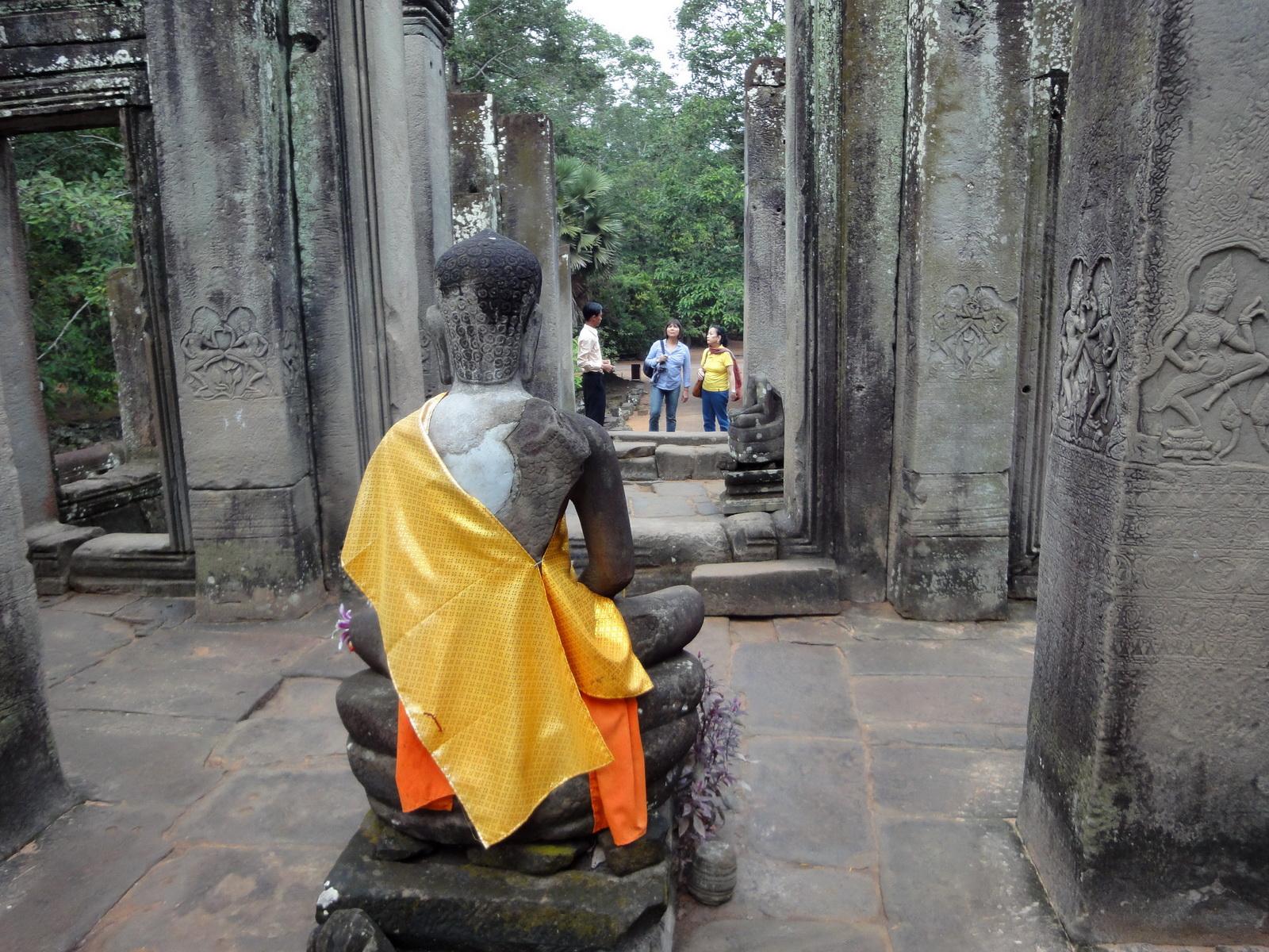 Bayon Temple eastern gopura Buddha statue Angkor Jan 2010 08