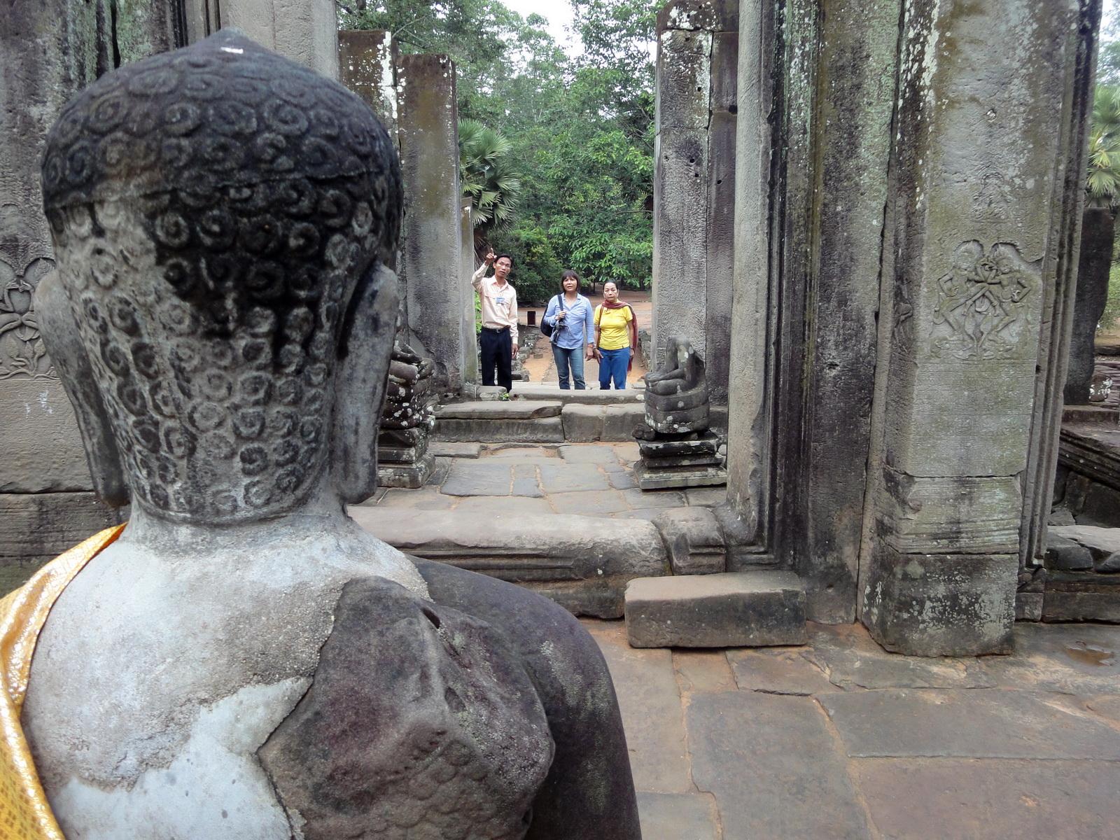 Bayon Temple eastern gopura Buddha statue Angkor Jan 2010 09
