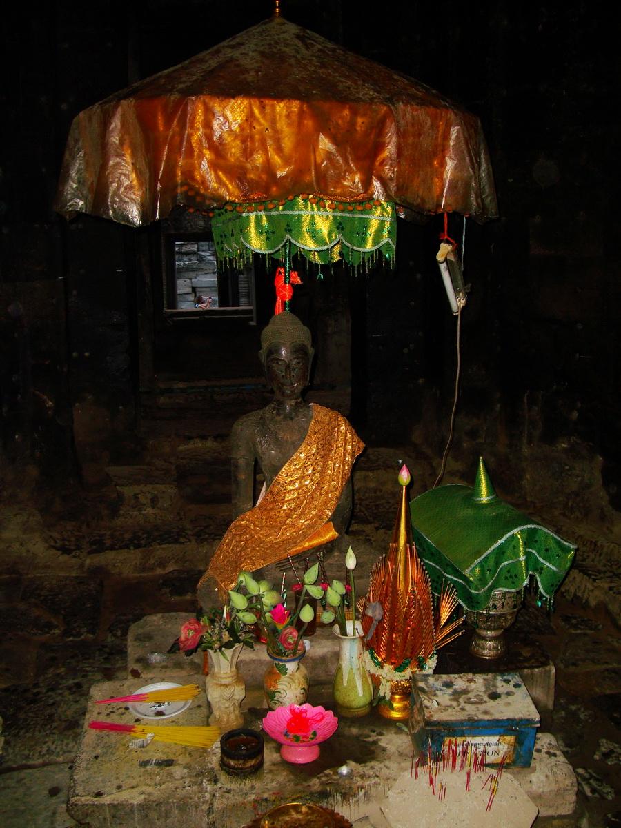 Bayon Temple main sanctuary Buddha Angkor Siem Reap 06