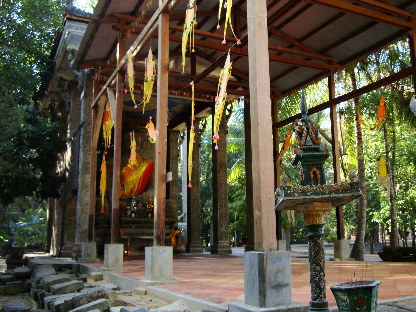 Bayon Temple neighboring Buddhist monastery Angkor Siem Reap 03