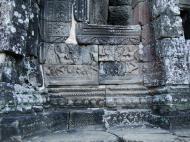 Asisbiz Bayon Temple Bas relief pillars three dancing apsaras Angkor 17