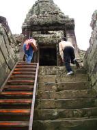 Asisbiz Bayon Temple architecture passageways Angkor Jan 2010 04